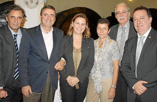 Miquel Serra, Pere Rotger, Maria Salom, Carmen Serra, Pere Comas y Rafel Torres.