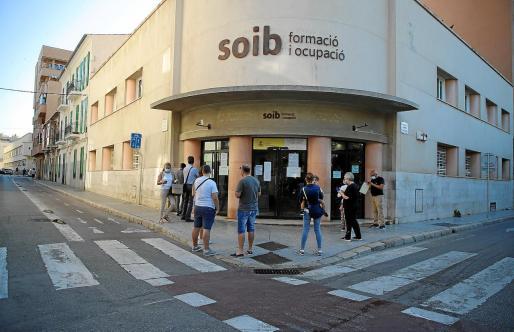 Hay 196.635 demandantes de empleo inscritos en el SOIB, entre parados, personas en ERTE y trabajadores que buscan otra posición.