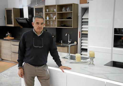 Fernando Rodríguez destaca que Reformas Manacor tiene unos plazos de entrega muy buenos.