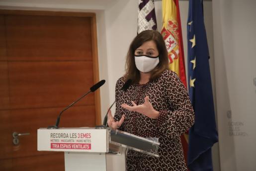 La presidenta Armengol durante su comparecencia ante los medios de comunicación.
