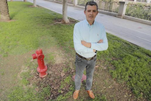 El bombero de Palma jubilado Paco Pérez, el viernes pasado, en Paseo Mallorca.