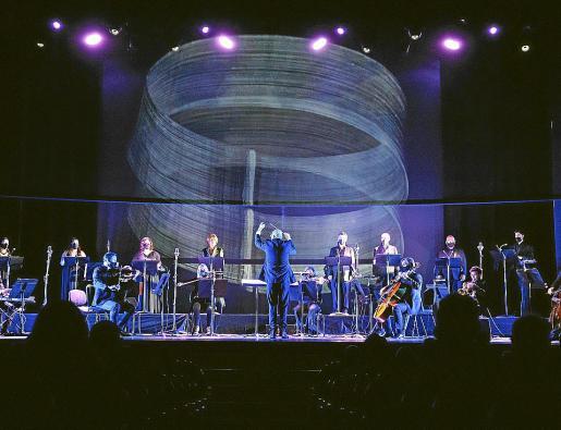 Un momento del estreno de ayer de 'Climàtic 3.0' en la Sala Gran del Teatre Principal de Palma.