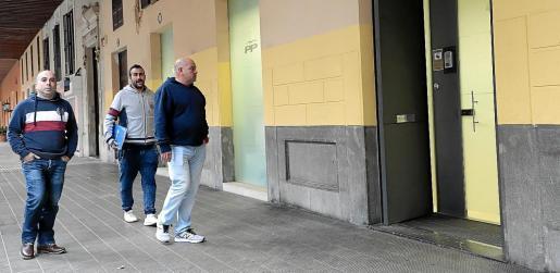 Aluvión de bajas en vísperas de Navidad. El 20 de diciembre de 2019, alrededor de las cuatro de la tarde, tres militantes del PP en Calvià accedían a la sede regional de Palma para presentar sus respectivas bajas del partido, así como las de aproximadamente un centenar de personas que también decidían dejar el partido.