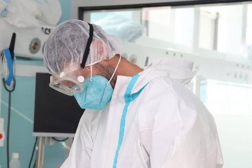 Los sanitarios están desempeñando un papel muy importante en la pandemia.