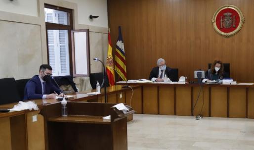 El juicio se celebró este lunes a través de videoconferencia en la Audiencia de Palma.