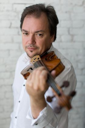 Concierto para violín núm. 1, op.6 Niccolò Paganini, sinfonía núm. 4, op. 120 Robert Schumann. Con Sergei Krylov, violín y Pablo Mielgo, director.
