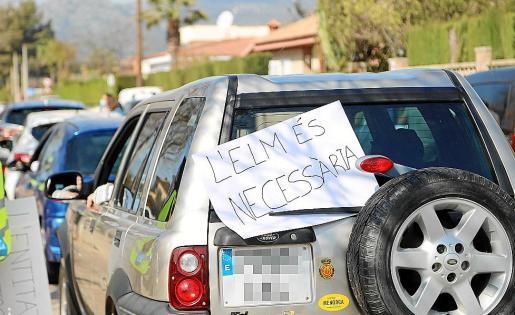 Los vecinos de Palmanyola protestaron ante la posibilidad de suspensión de la entidad local.