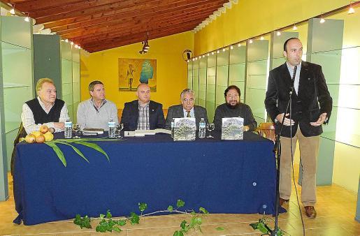 Vicenç Sastre, Pere Rotger, Biel Serra, Pere A. Serra, Pere Bonnín y Joan Enric Capellà.