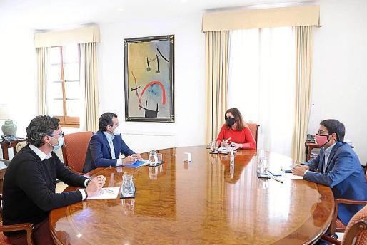 Costa y Company (PP) con Armengol y Negueruela, este miércoles.