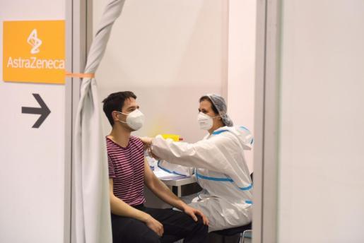 España retomará la vacunación con AstraZeneca.