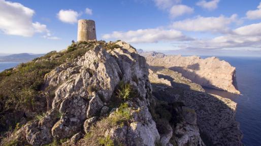 Una de las atalayas más impresionantes que podemos ver es la d'Albercutx, en Pollença.