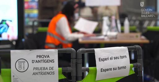 Salut y Sanidad Exterior rerforzaron ayer todos los controles sanitarios en Son Sant Joan.