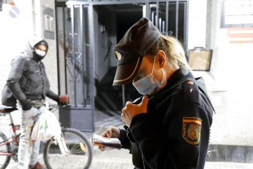 Los agentes acudieron tras recibir el aviso de la madre del arrestado.