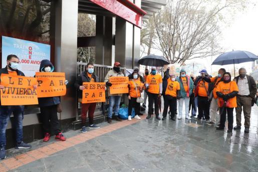 Los activistas han clamado por detener los desahucios de personas vulnerables sin alternativa.