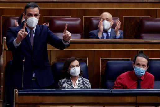 Las dudas sobre AstraZaneca han llevado a políticos en otros países a vacunarse con ella.