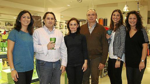 Verónica Iboleón, Luis Montada, Rosalía Torres, Antoni Pizá, Vanessa Cifuentes y Maribel Iboleón.