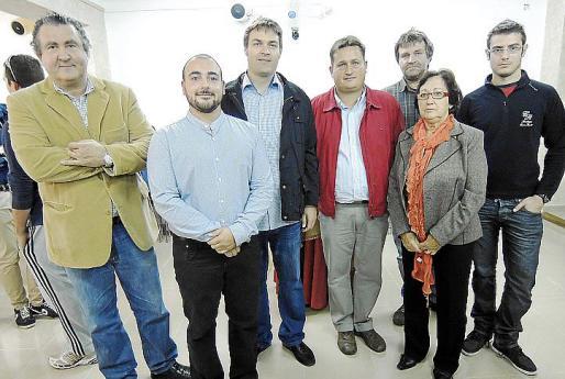 Ramón Servalls, Sebastià Pastor, Andrés Gelabert, Toni Ramis, Pere Calafat, Antonia Juan y Tomeu Rubí.