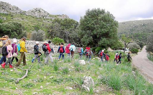 Un grupo de escolares en una visita al Parc. Piden el mantenimiento de las actividades.
