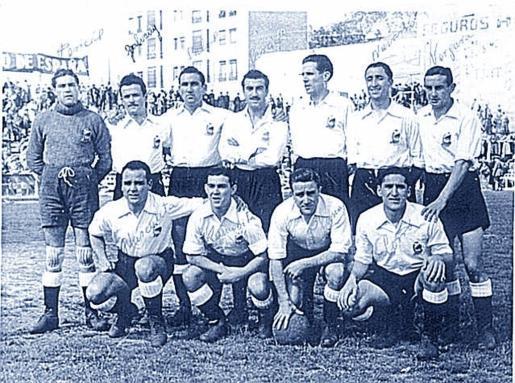 Formación del Constància, en Chamartín, luchando por el ascenso a Primera División en el año 1944.