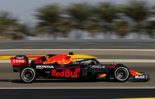 Verstappen, gran dominador de las tres sesiones de entrenamientos en el circuito de Sakhir, confirmó los pronósticos al hacerse con la cuarta 'pole' de su carrera deportiva.