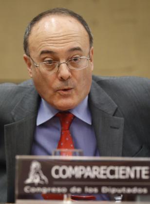 Luis Maria Linde, gobernador del Banco de España.-