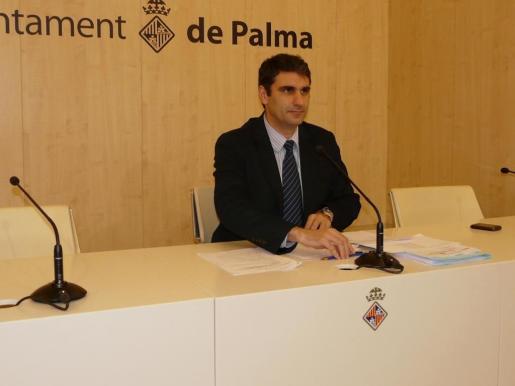 Julio Martínez, en una rueda de prensa.