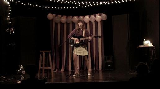 Clara Ingold presenta 'Peajes' en el Teatre del Mar.