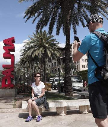 La página renovada Visit Palma estará lista el 30 de abril y pretende mostrar un destino que va más allá del sol y playa, un destino turístico seguro ante el virus.