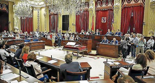 Los diputados que cobran dietas de pernoctación deberán justificarlas si sobrepasan los 10.000 euros.