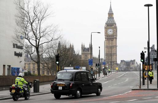Imagen de archivo de agentes de policía en Londres.