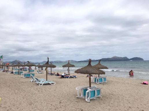 El verano pasado el Ajuntament apenas pudo recaudar por los servicios de las playas de Can Picafort.
