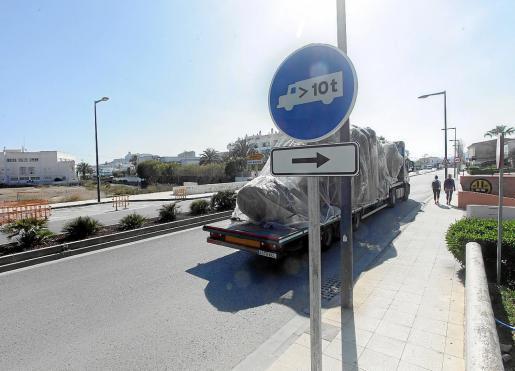 Los hechos tuvieron lugar en la avenida 8 de agosto de Ibiza.