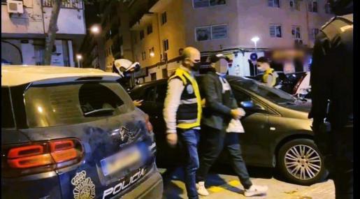Detención por parte de la Policía Nacional de un menor de edad por una agresión en Palma.