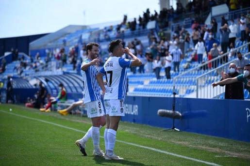 Alberto Gil celebra el tanto de la victoria del Atlético Baleares este domingo en el Estadi Balear.