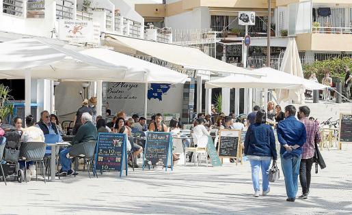 La previsión es mantener la apertura de las terrazas hasta las 17.00 horas con el interior cerrado.