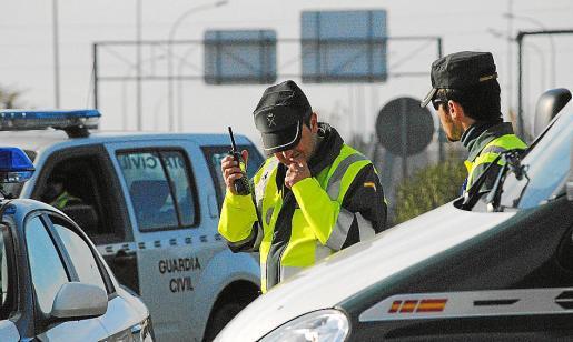 La Guardia Civil tomó declaración a los testigos y ahora dispone de una descripción de los ladrones.