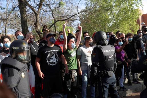 Vecinos de Vallecas convocan dos concentraciones en contra del acto de presentación de la candidatura de Rocío Monasterio, para las próximas elecciones en la Comunidad de Madrid.