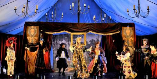 La Bête es una pieza teatral que bebe de las influencias de autores clásicos como Moliêre.