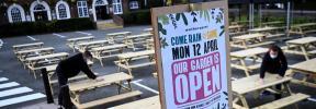 Los pubs y comercios ingleses preparan la reapertura tras tres meses cerrados