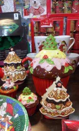 En la boutique de Taste of America hay todo tipo de ornamentación navideña típica de EEUU.