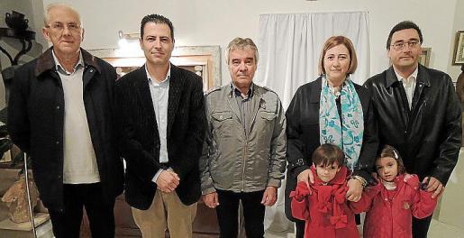 Pons Fullana, Joan Perelló, Andreu Ferrer Mir, Joana Vicario, Dionis Vicario y Aina y Laia Capllonch.