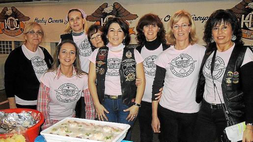 Vicenta Muñoz, Patty Kira, Ana Ibáñez, Carme Rubio, Paquita Ezquerro, Rosario Lucema, Maria Carmen Gálvez y Marilena Aguiló.