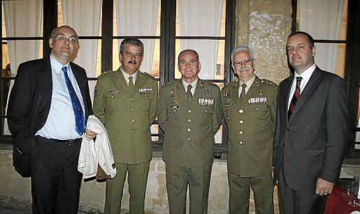 Miguel Deyá, Teodoro Pou, Adolfo Orozco, Francisco Manuel Ramos y Antonio Deudero.