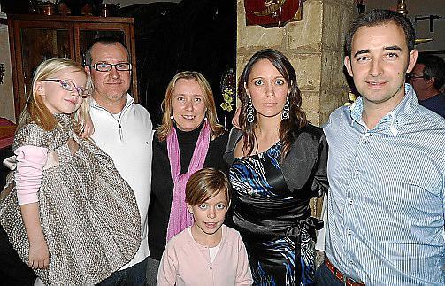 Julia y Nadal Alomar, Magdalena Oliver, Jessica García, Martín Ribera y Sarai García.