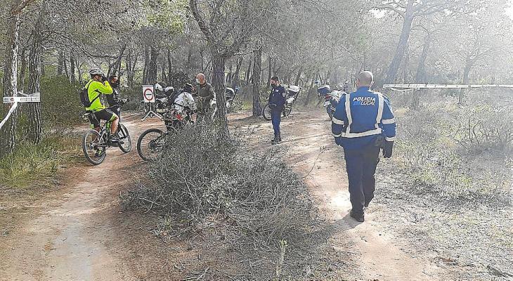 Control de motos y bicis de montaña en las fincas de Galatzó y Cala Figuera