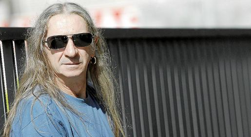 Imagen promocional del cantante y compositor madrileño Rosendo.