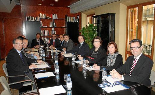 El Consell de Capitalidad se reunió ayer por primera vez, un año y medio después de empezar la legislatura.
