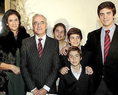 Alicia Pons, Raimundo Zaforteza y sus cuatro hijos Pilar, Raimundo, Félix y Pepe.
