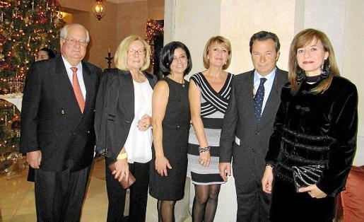 Ramón Vilana, Rosa Arcos, Carmen Feger, Mariana Bordoy, Vicente Mulet y Caty Cañellas.