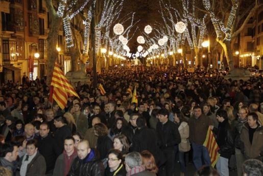 Fotografía de las personas en el Passeig des Born de Palma.